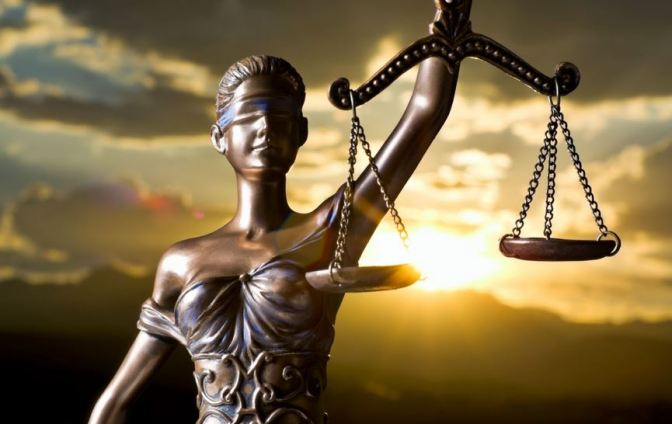 """""""Pengadilan : Keadilan atau Kepentingan"""""""